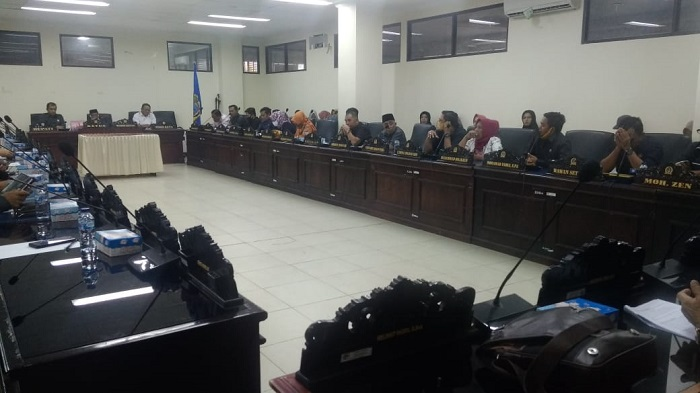 Rapat Paripurna Penjelasan Atas Usul Hak Interpelasi DPRD Parimo terhadap Bupati Parigi Moutong